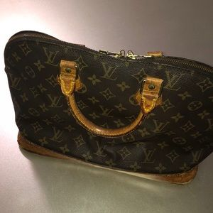 Authentic LV Alma Handbag - price is FIRM